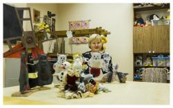 """Interešu izglītības metodiķe, rokdarbu studijas """"Kamolītis"""", lego pulciņa un elektronikas pulciņa skolotāja Ilze Krieviņa.Sveiki. Ar mani var sazināties: e-pastā ilze_krievina@inbox.lv vai izveidotajā lapā www.draugiem.lv/kamolitis , tel. 26468113. Mani hobiji ir skriešana, detektīvfilmas un literatūra. Bērnībā gribēju būt bērnudārza audzinātāja. Moto - dzīvot saskaņā ar dabas ritumu un darīt to kas patīk"""